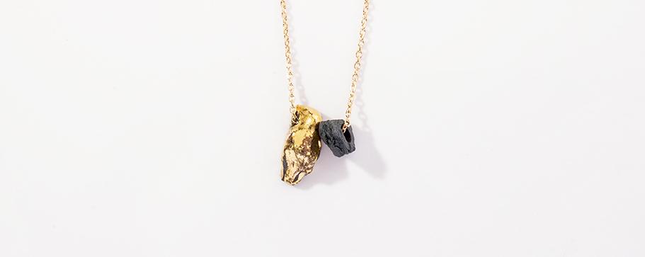 Collier or et cristal noir, Jordane Somville