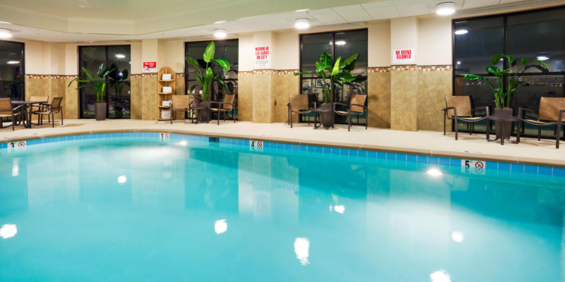 Nashville Holiday Inn Express & Suites