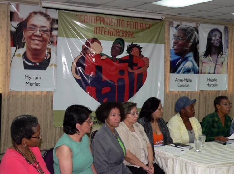 Dominican and Haitian feminist activists meet in a solidarity gathering after the 2010 earthquake in Haiti.  Source:  Palabra de Mujer.