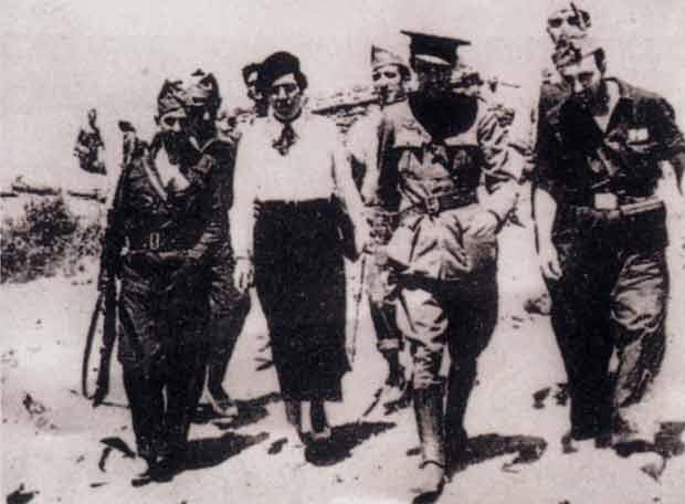 Victoria Kent en el frente republicano, 1937.