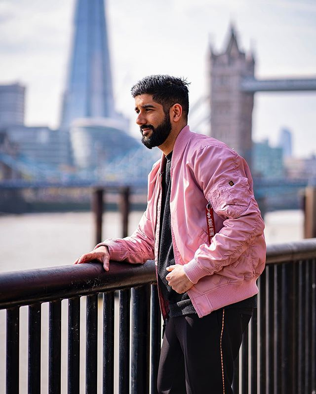 A snapshot of our city, can you name all the landmarks out of focus? Wearing @alphaindustries_europe  Photography @antonjwelcome  Edit @styleandstylus  #alphaindustries #pink #bomberjacket #militaryjacket ————————————————— #lfwm #lfw #dapper #streetwear #menwithstyle #streetstyle #style #sartorial #pinkandblack #attire #outfit #tuesday #londoncity #sikh #indian #stylish #lifestyle #bomberjackets #bokeh #photography #menwithclass