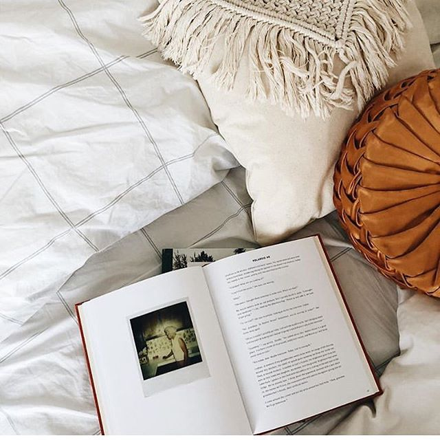 Love these cozy vibes shared by @withjustine 💕 That macramé cushion looks right at home in this fluffy bed! Stay warm out there ✨ • • • #cozy #wintervibes #bedtime #macrame #cushion #dreamy #staywarm #itsfreezing #smallbiz #handmade #macramelove