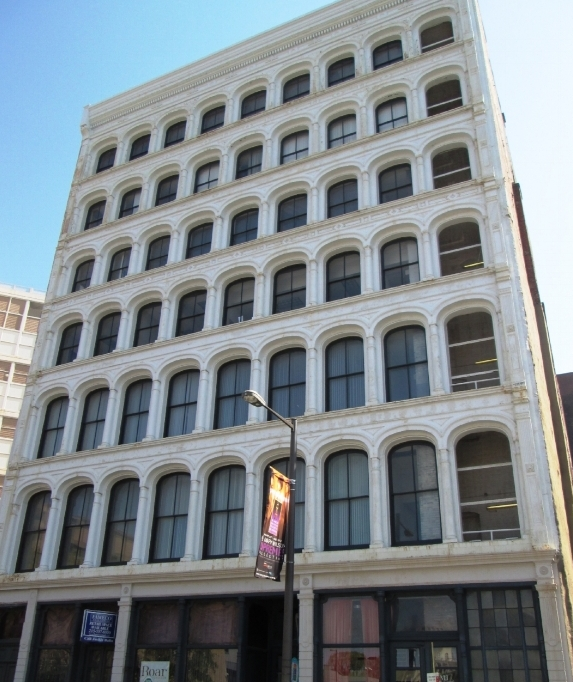 Lit_Brothers_Store_714-718_Arch_Street_Cast_Iron_Building.jpg