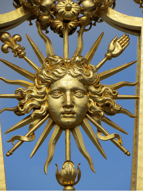 13 Sun King Versaille.jpg