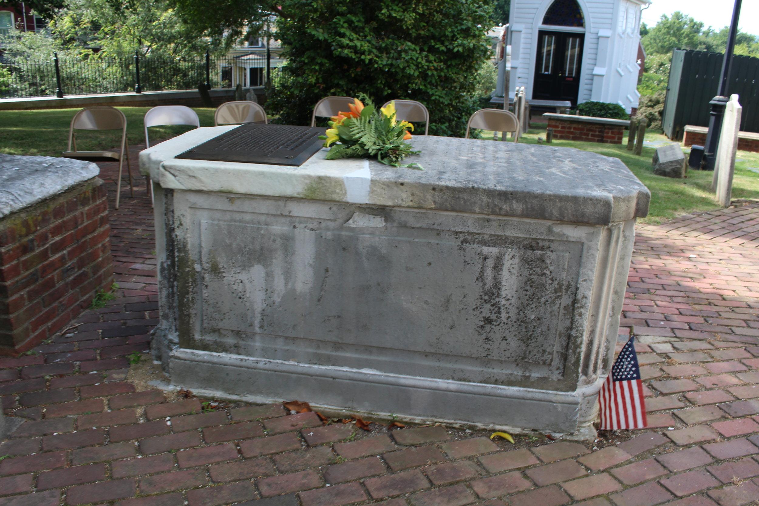 Robert Rose grave, 1751