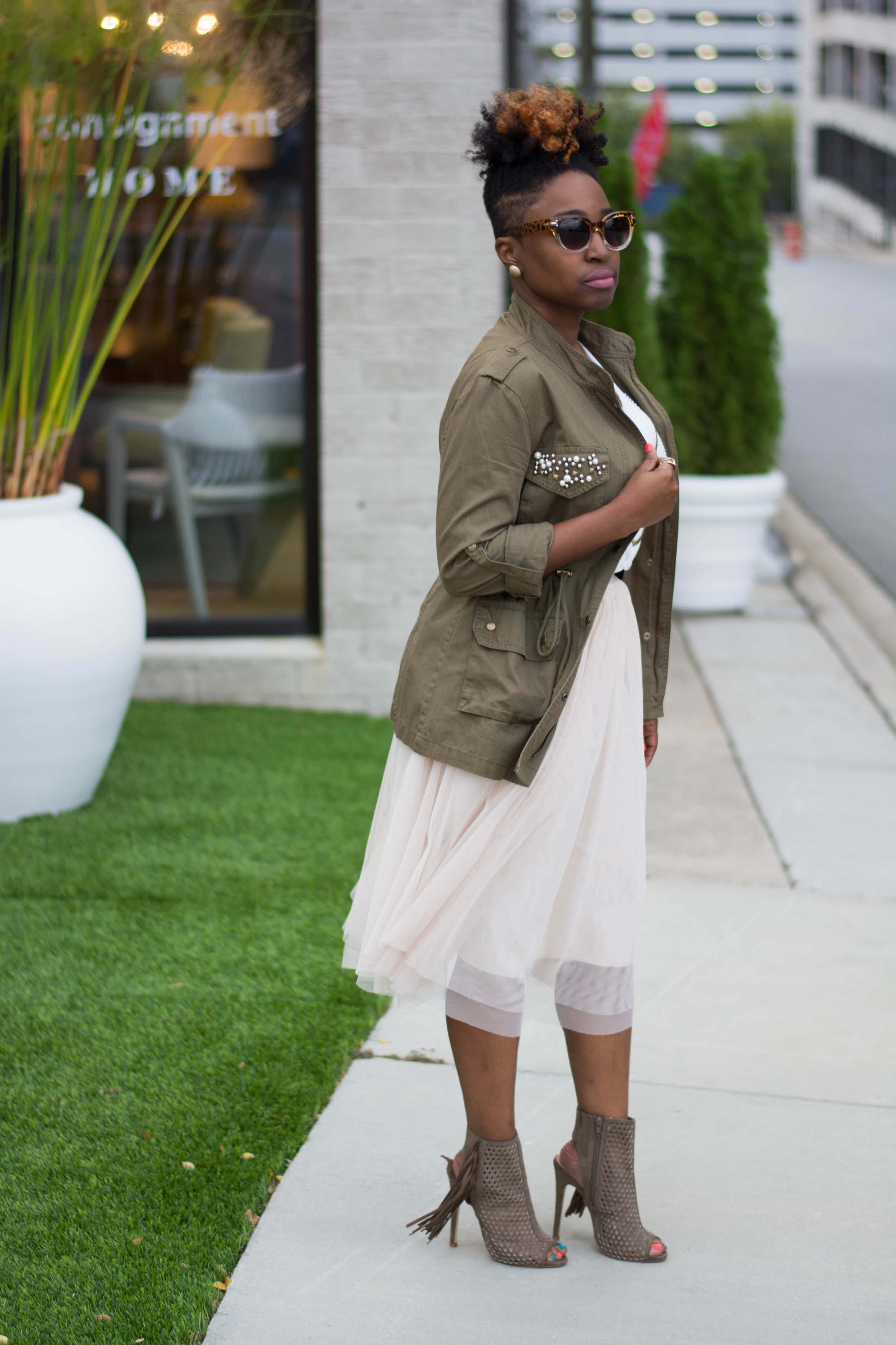The Style Klazit, Melodie Stewart, Atlanta Style blogger, Atlanta Stylist, Tulle skirt, Fall fashion, Cargo jacket