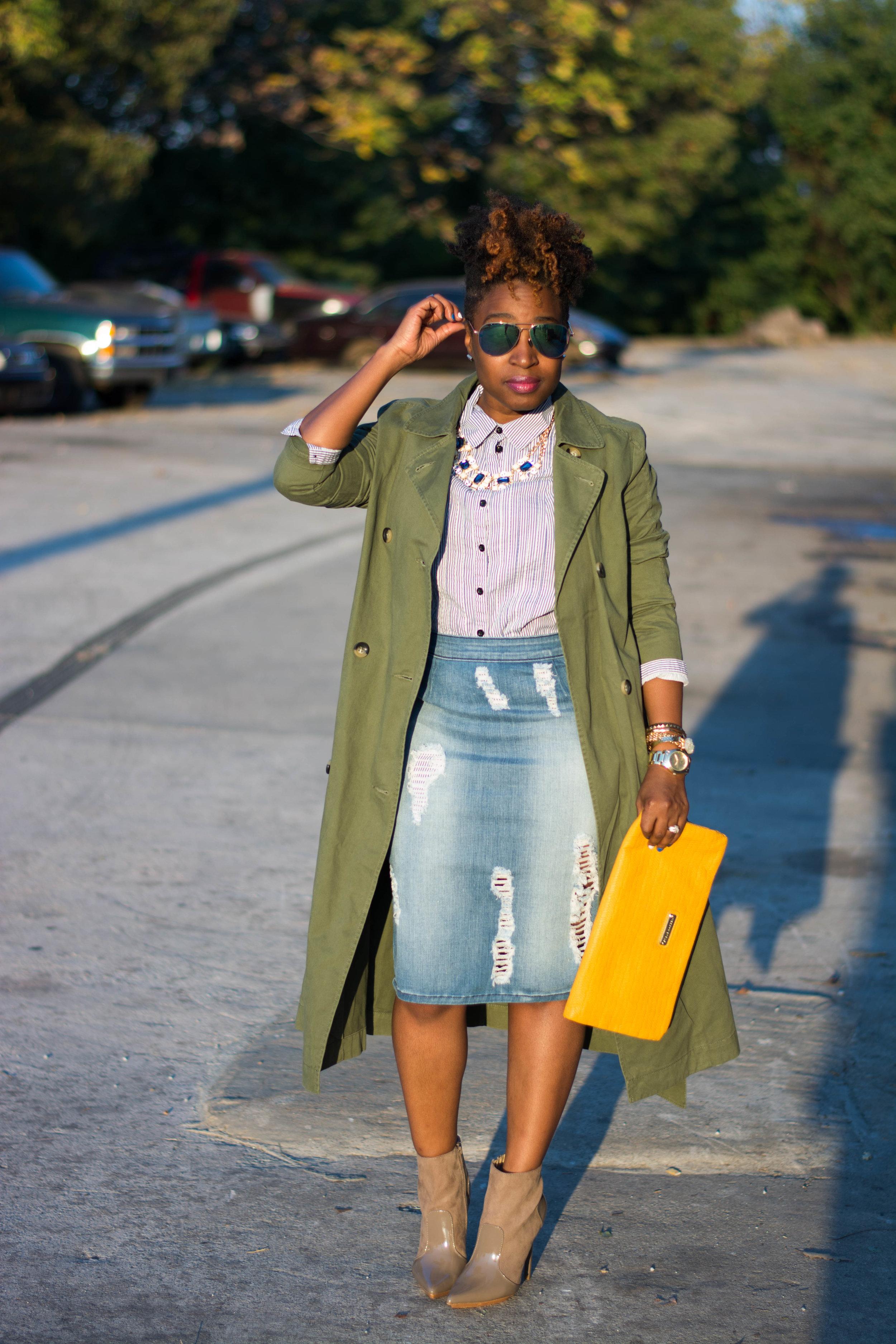 Melodie Stewart, The Style Klazit, Atlanta style blogger, Atlanta stylist, Justfab, Trench coat, distressed skirt