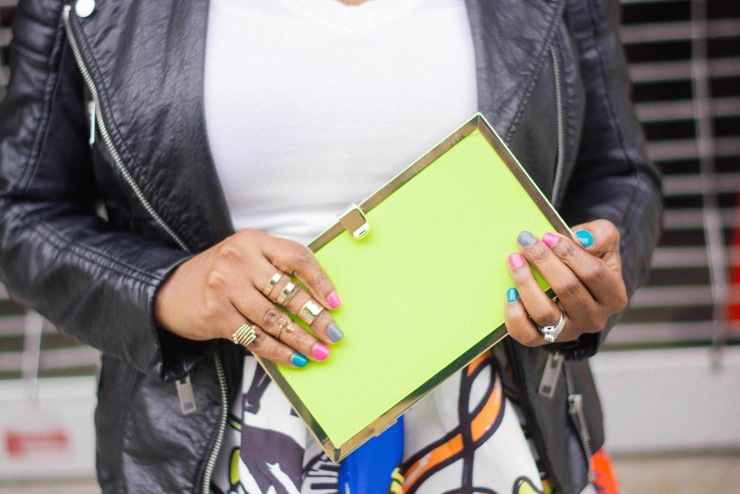Melodie Stewart, The Style Klazit, graffiti print skirt, shoedazzle white sneakers, h&m black moto jacket, Atlanta style blogger, street style