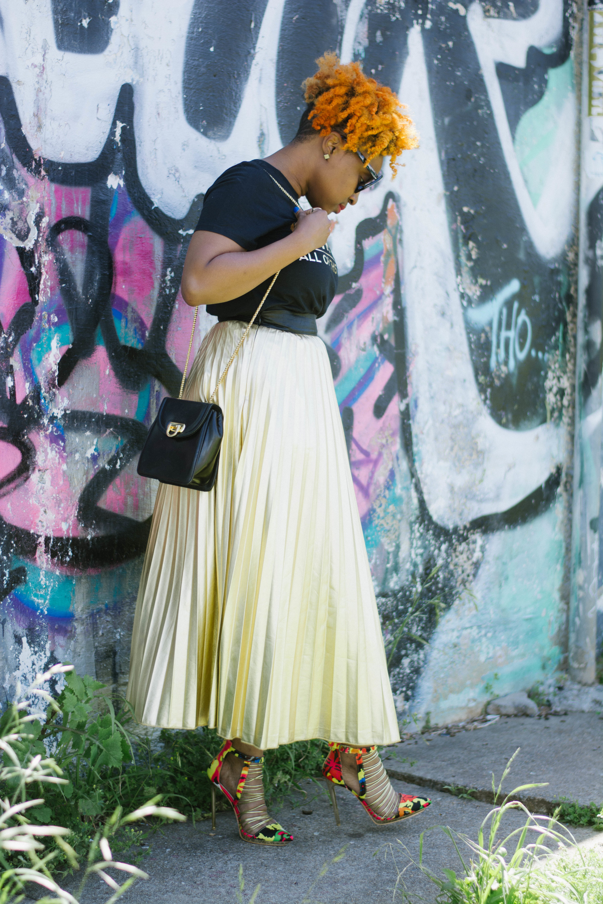 Melodie Stewart, The Style Klazit, Atlanta Style Blogger, Metallic gold skirt, screen-t