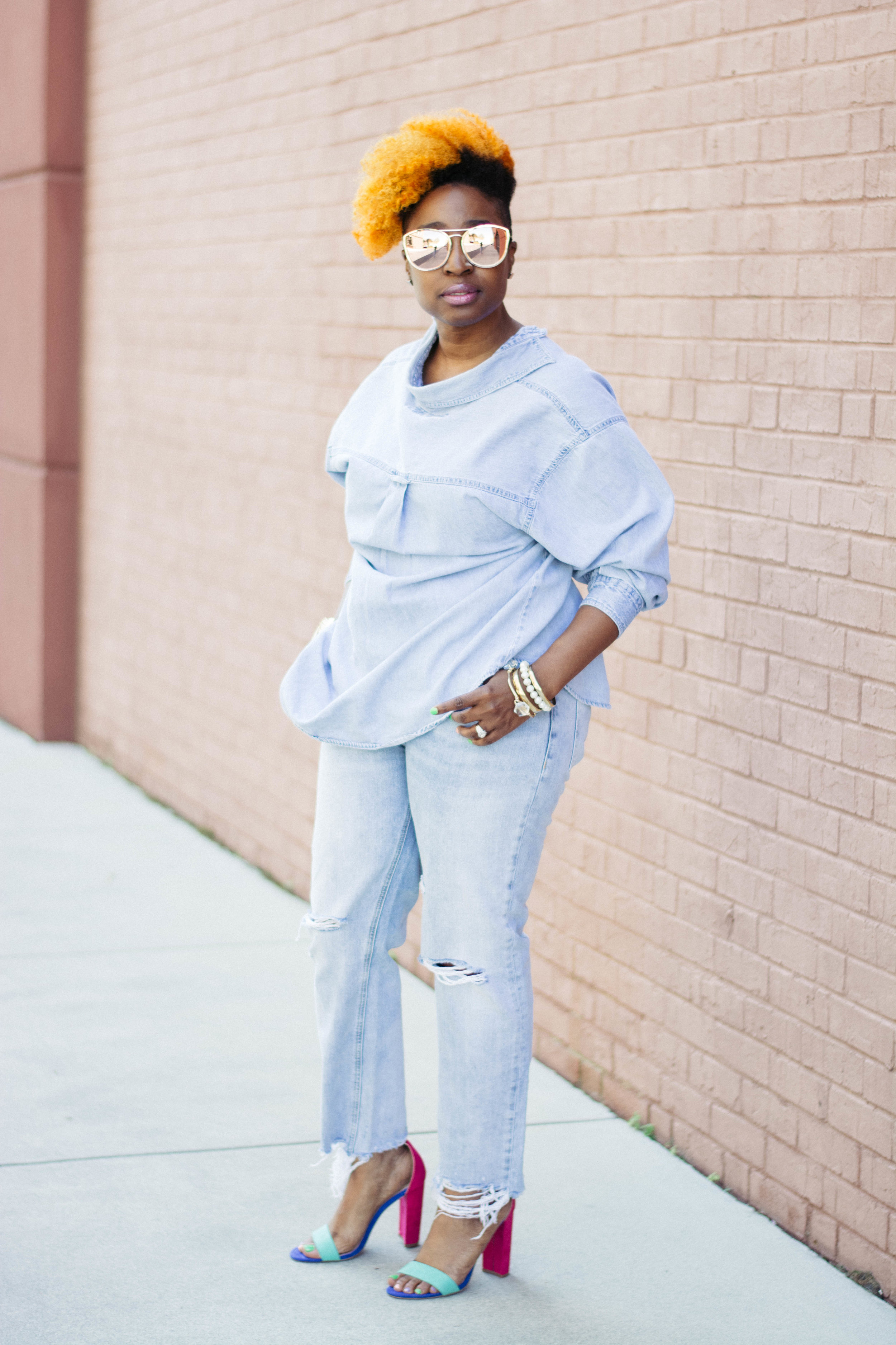 Melodie Stewart, The Style Klazit, Denim on denim, wearing shirt backwards, distressed jeans, Atlanta style blogger