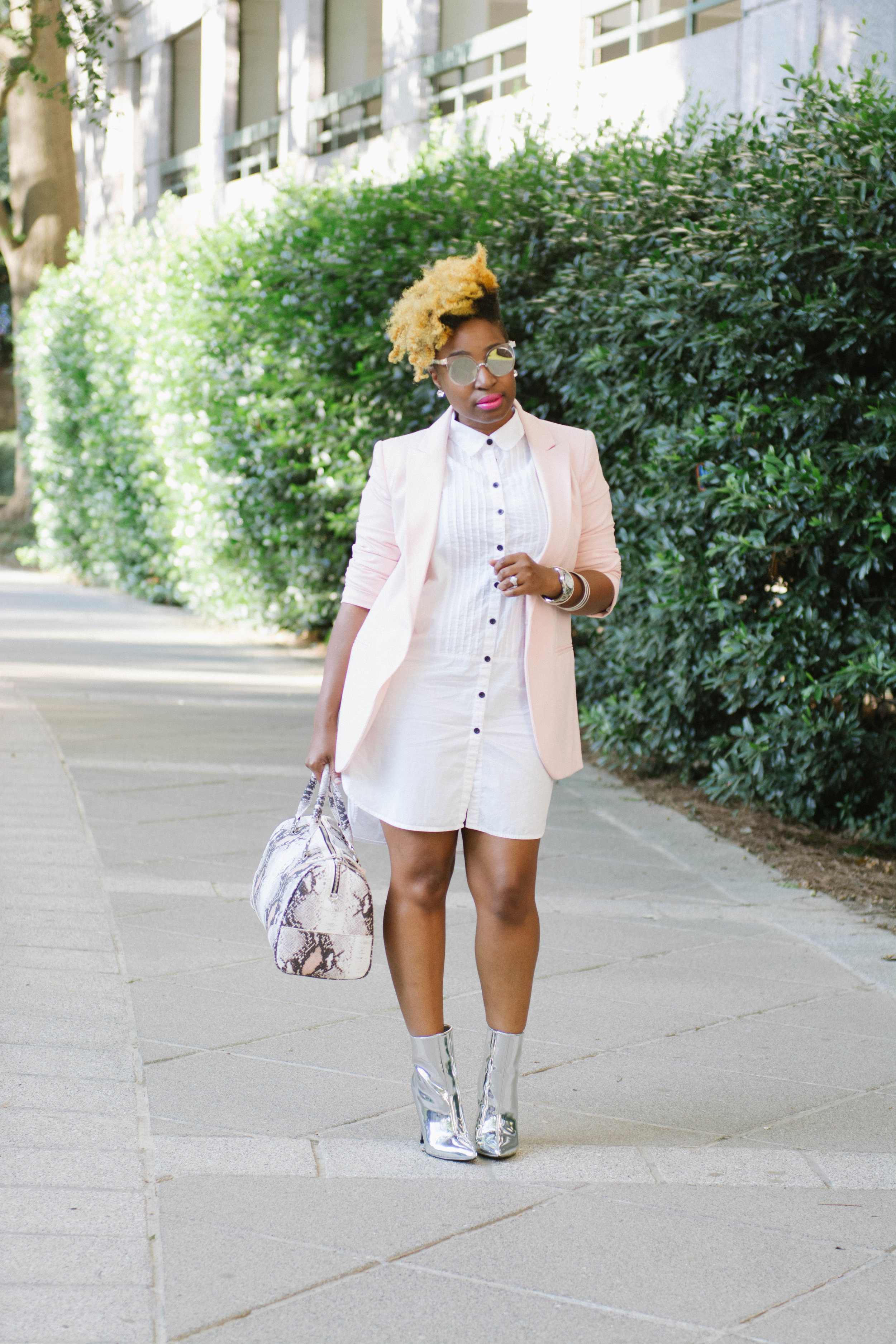 Melodie Stewart, The Style Klazit, NYFW, New York Fashion Week, Atlanta style blogger, Justfab shoes, Silver booties, thrifted fashion