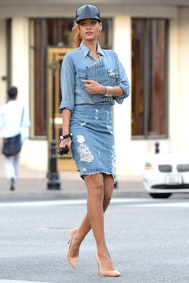 fashion-2015-04-rihanna-denim-on-denim-outfit-jean-skirt-main.jpg