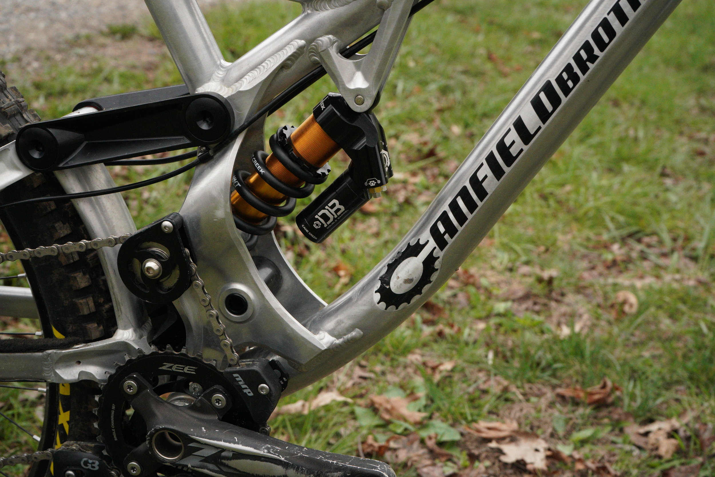 Ethan runs a Cane Creek DB Coil with a 400lb spring. While preferring the feel of a coil Ethan is also eager to try an air shock to compare the two back to back. For cranks Ethan runs Shimano Zee cranks paired up with a MRP G3 chain guide.