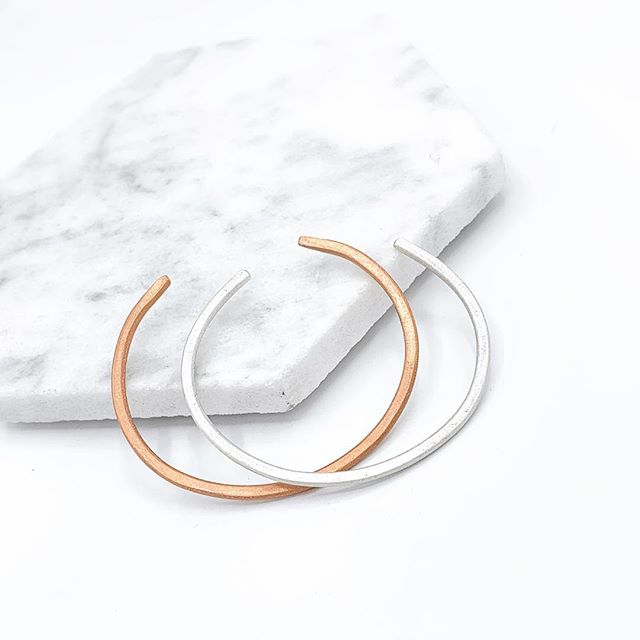 C U F F ✨ Made to order in sterling or copper matte finish 🖤 Unisex and the ultimate perfect gift! #minimalistcuff #simplejewelry #everydaylook