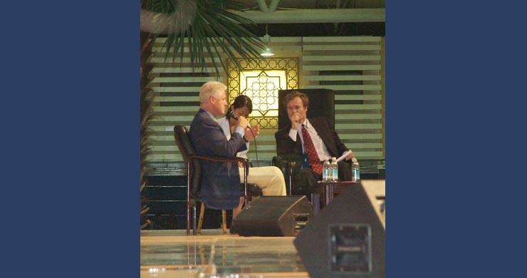 比尔·克林顿和《时代》杂志资深撰稿人比尔·鲍威尔的问答环节