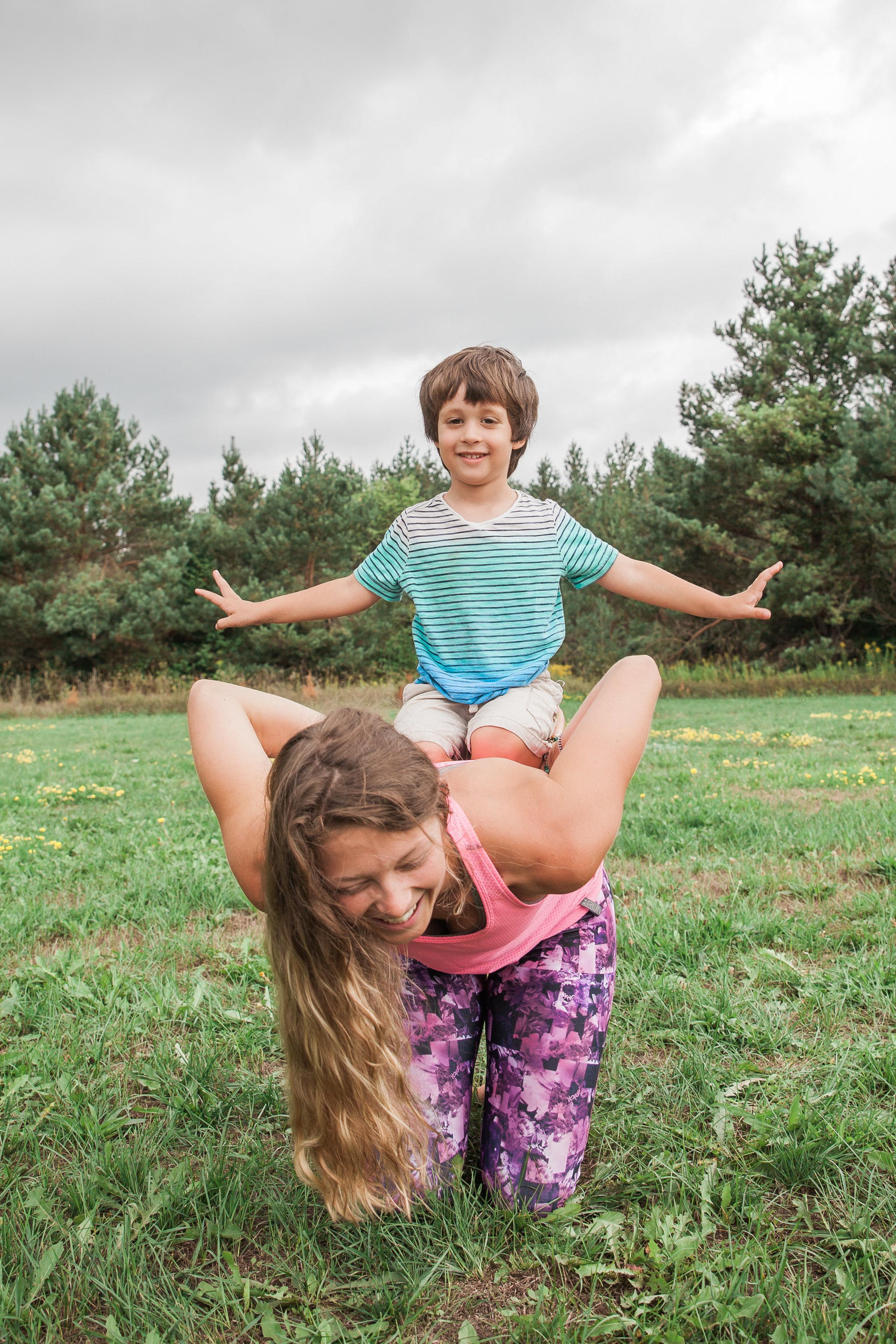 sara yoga-0008.jpg