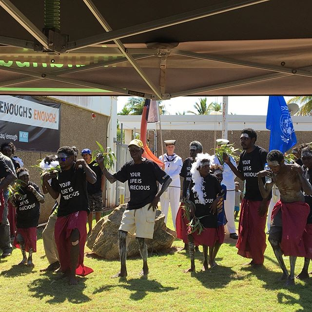 Today the Rirratjingu Clan participated in the Nhulunbuy Police Remembrance Day ceremony. @rirratjingu support our friends at NT Police 👮‍♀️ and we have a shared legacy of working together on the Territory and National stage. #rirratjingu #indigenous #policeremembranceday