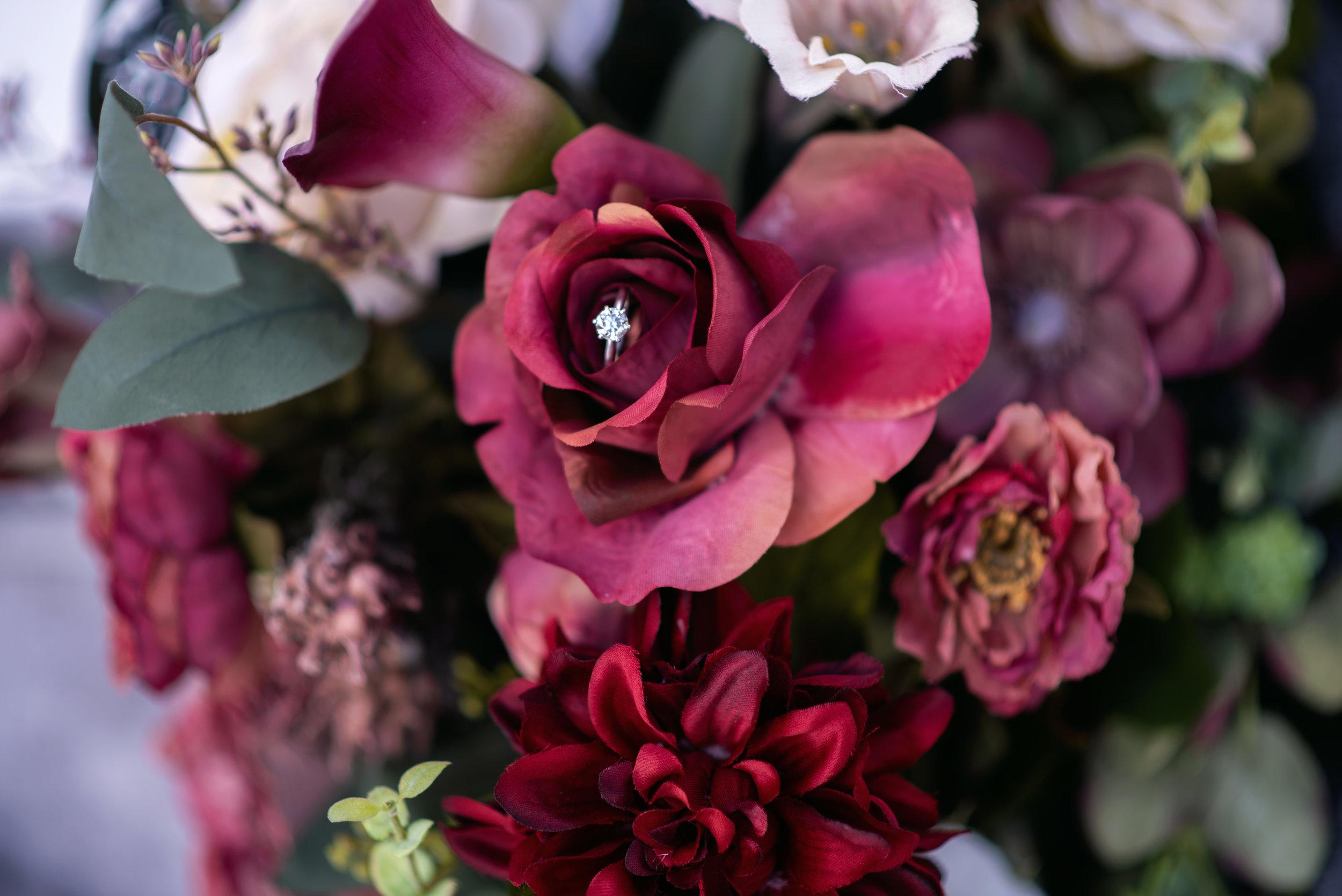 breelle_hilsenrath_photography_burgundy_floral_bouquet.jpg