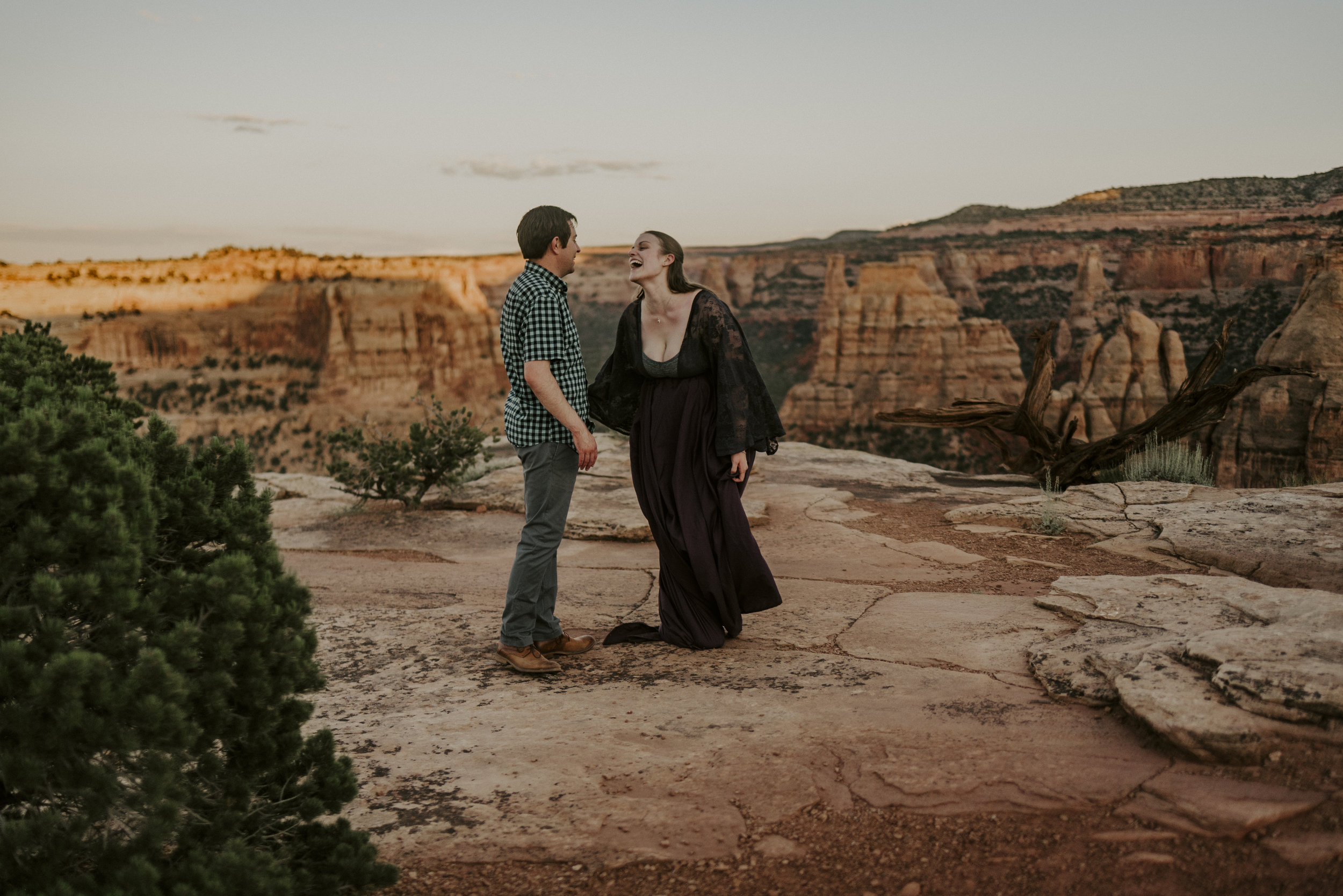 colorado_national_monument_engagement_photographer