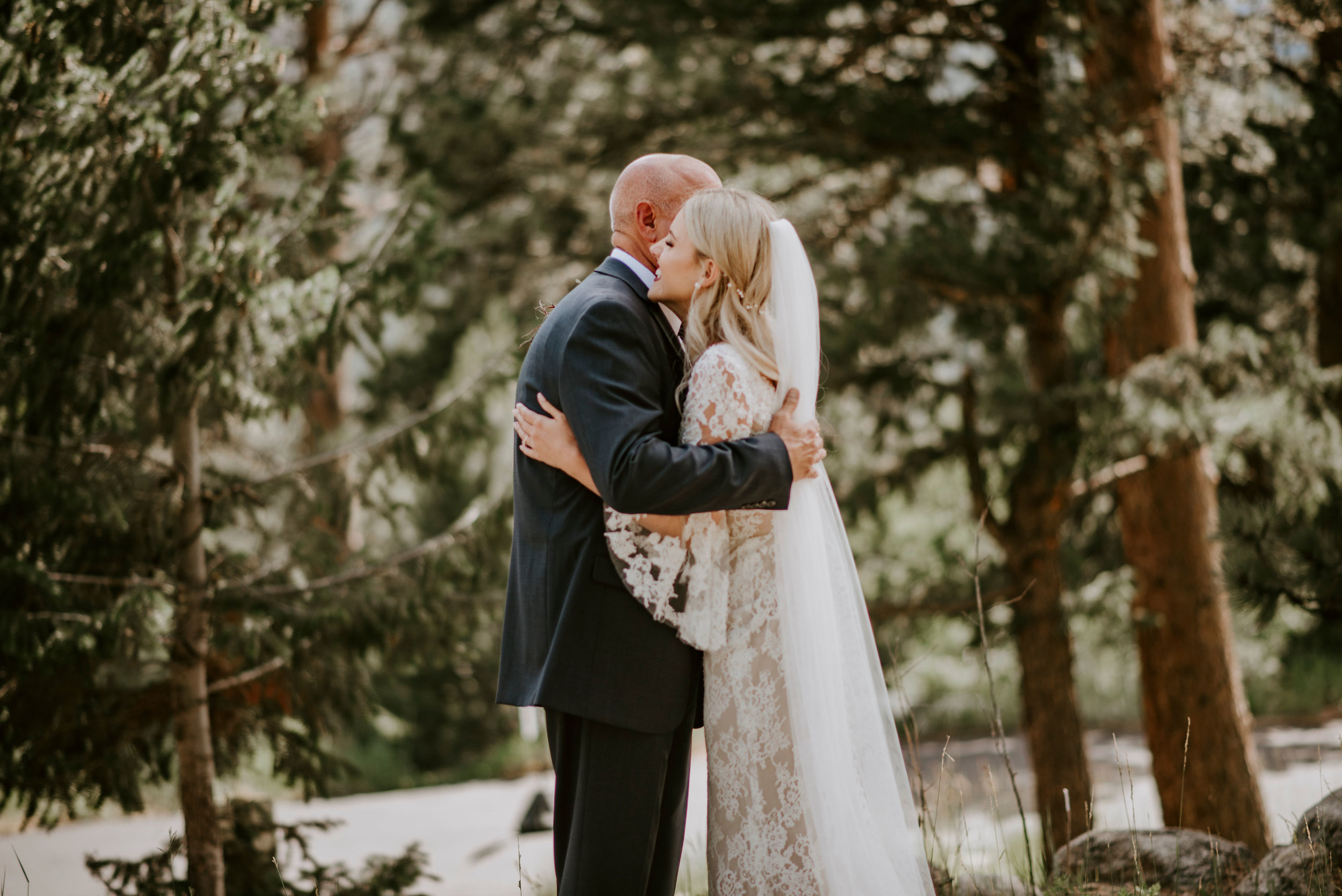 della_terra_chateau_estes_park_wedding_photographer228.jpg