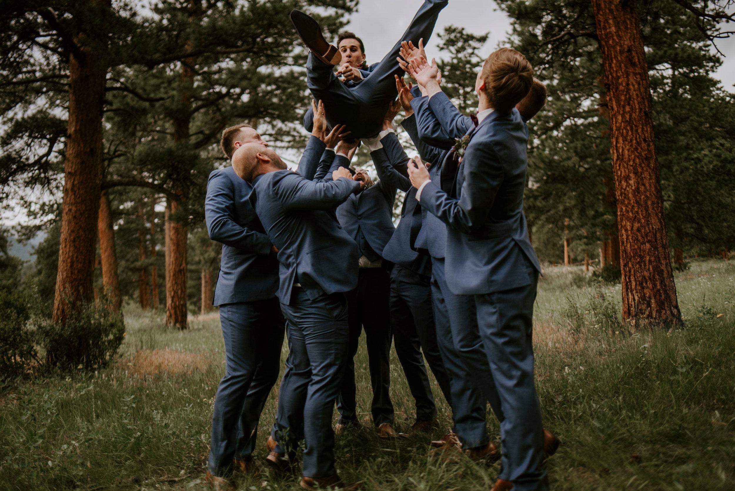 della_terra_chateau_estes_park_wedding_photographer200.jpg