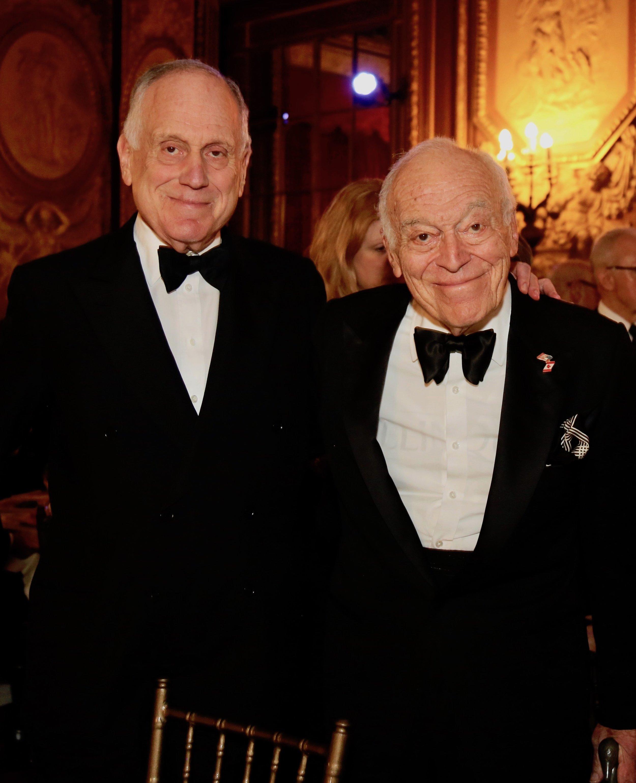 Ronald Lauder, Leonard Lauder