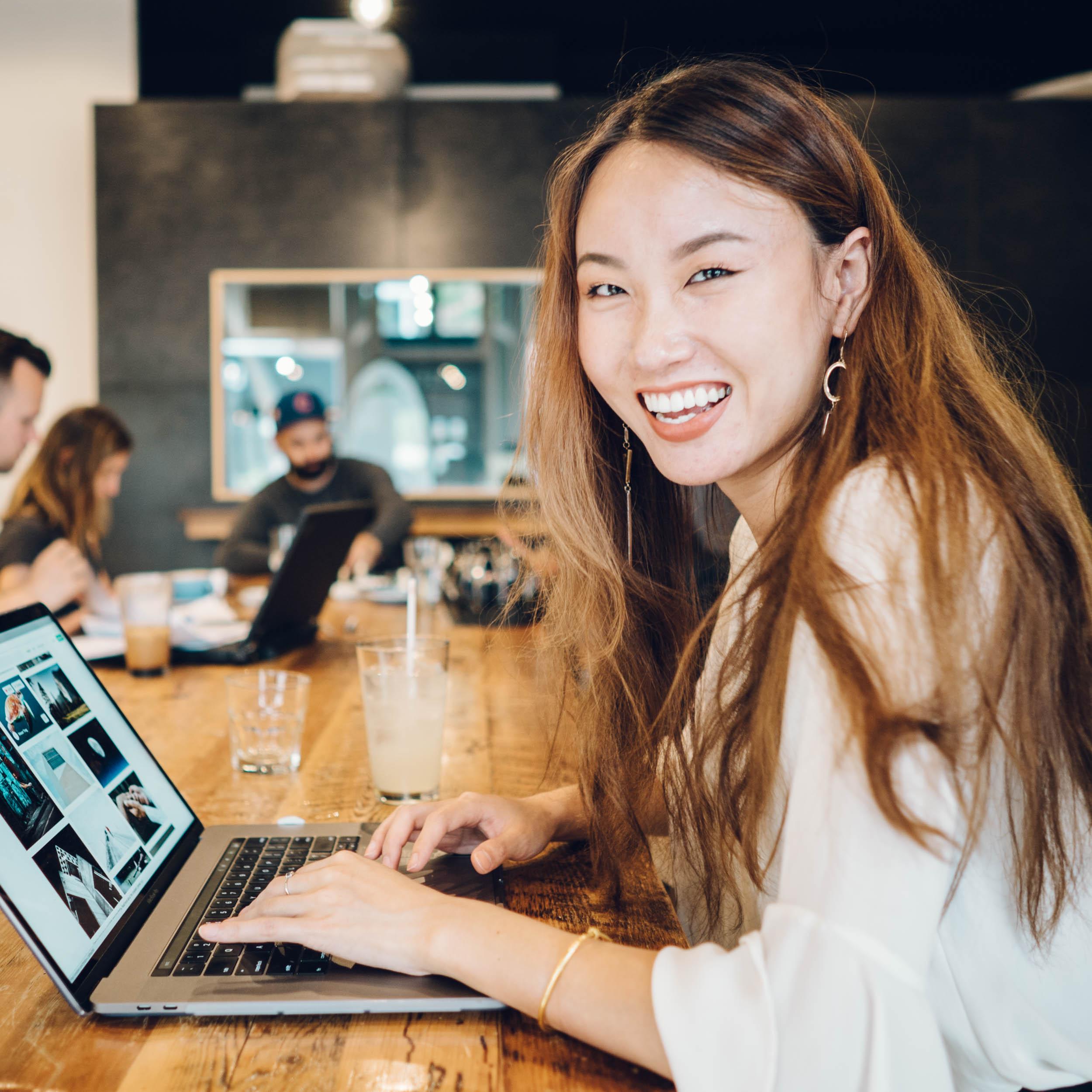 Yang-laptop-cafe-6.jpg