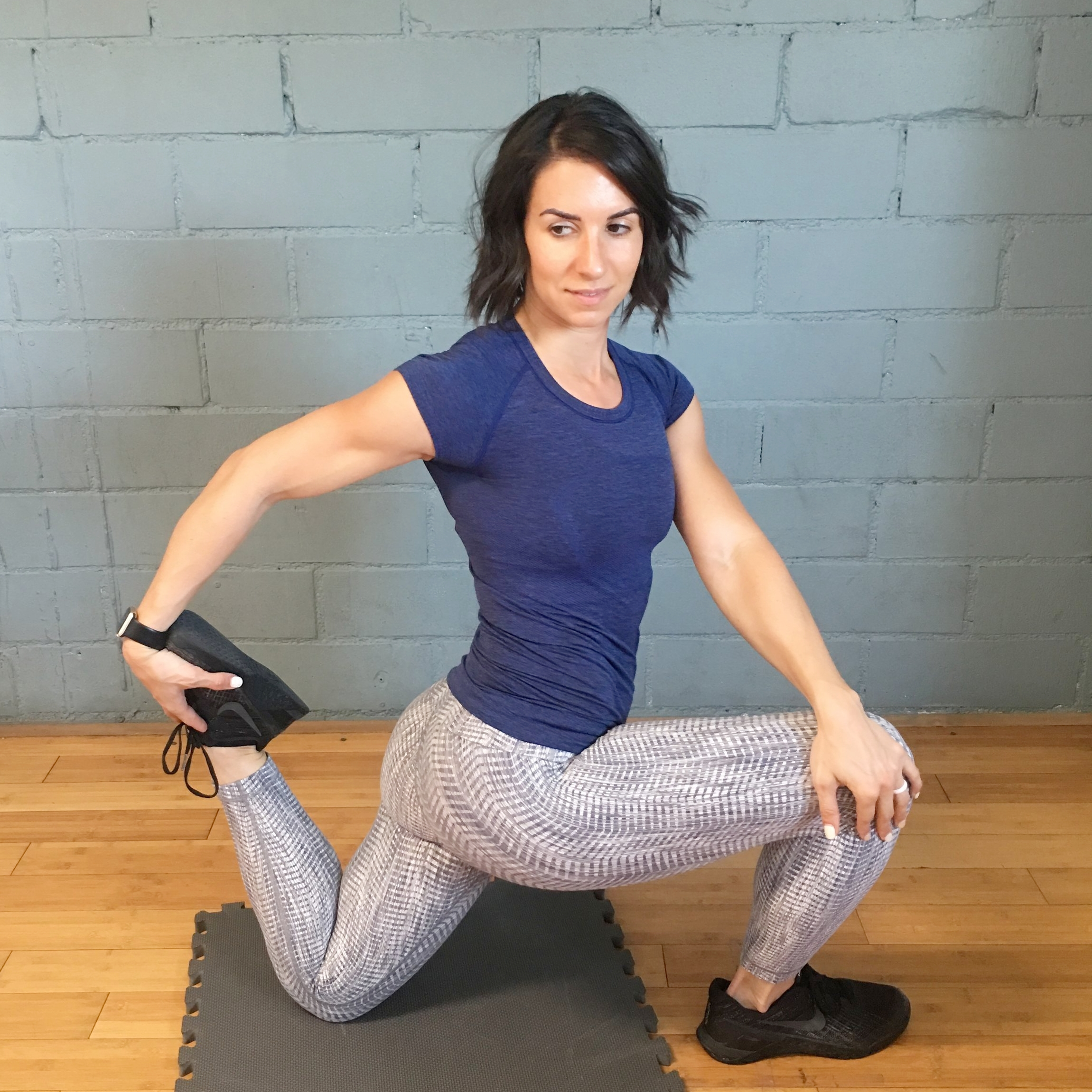 *Step into a deep lunge with your back knee on the ground. Gently twist your torso toward your front leg while reaching back for your opposite foot with your hand. For an optimal hip flexor & quadricep stretch, alternate squeezing the glute of your back leg for 5 seconds & relaxing your glute for 5 seconds. Complete for 90 seconds total per leg.