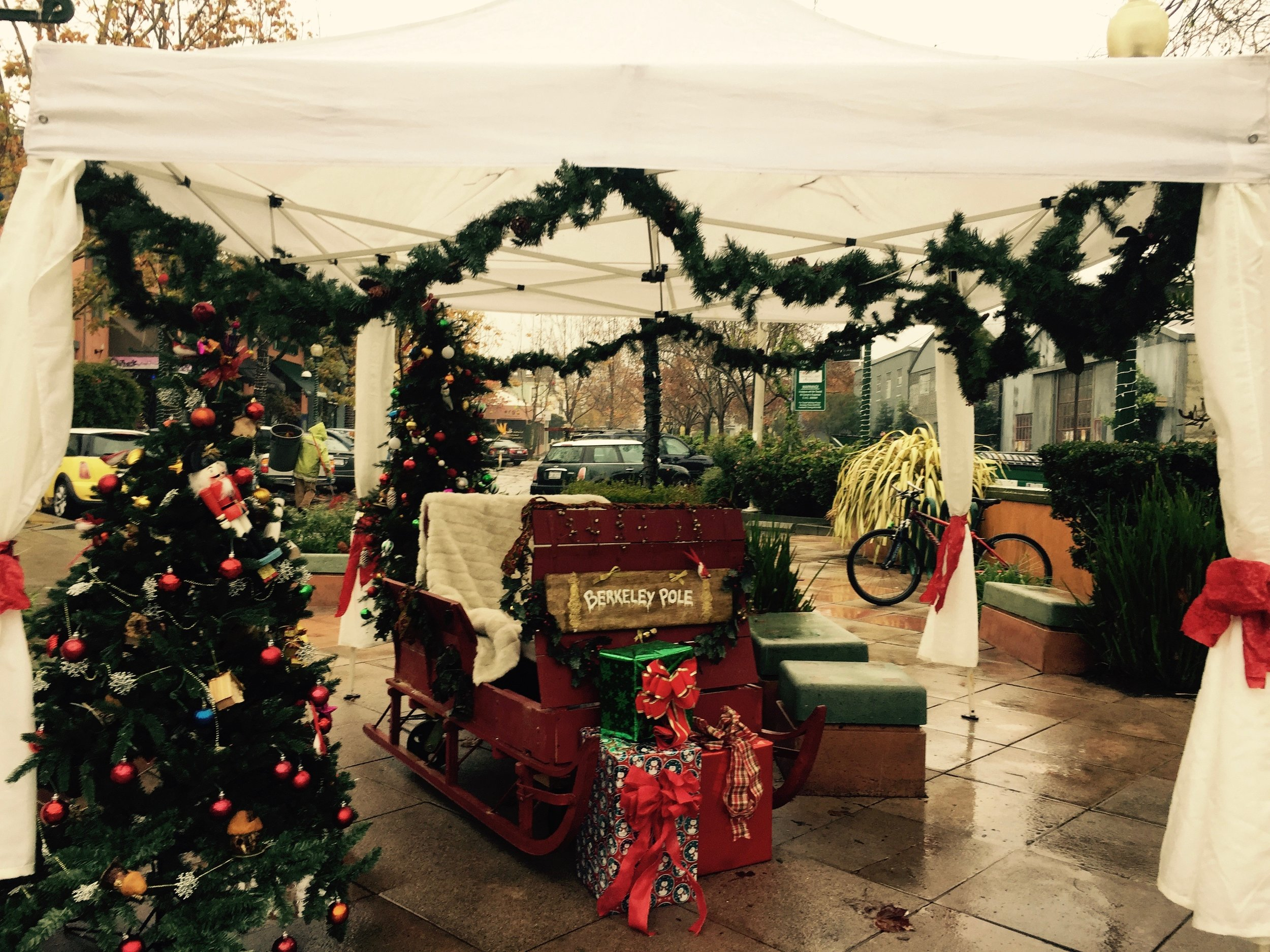 12/10/16 A wet morning set up, but we are ready for you Santa!