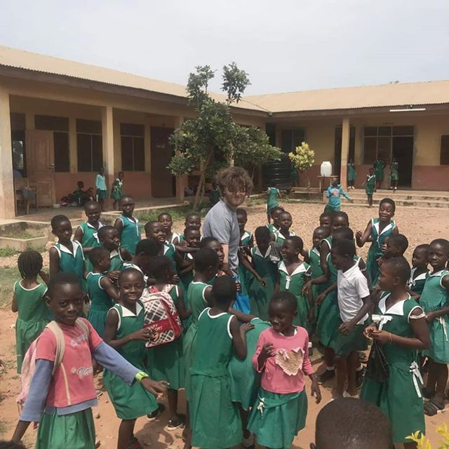 We work with different schools in Ghana, which enables you to have different experiences of teaching.