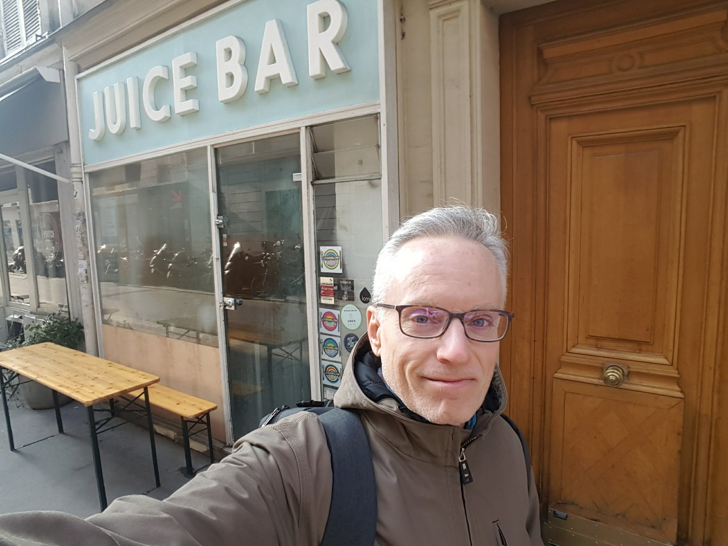 Note - It doesn't say 'Bob's'. Actually the American owner's name is Mark, but he wanted a more American sounding name - SHHHH