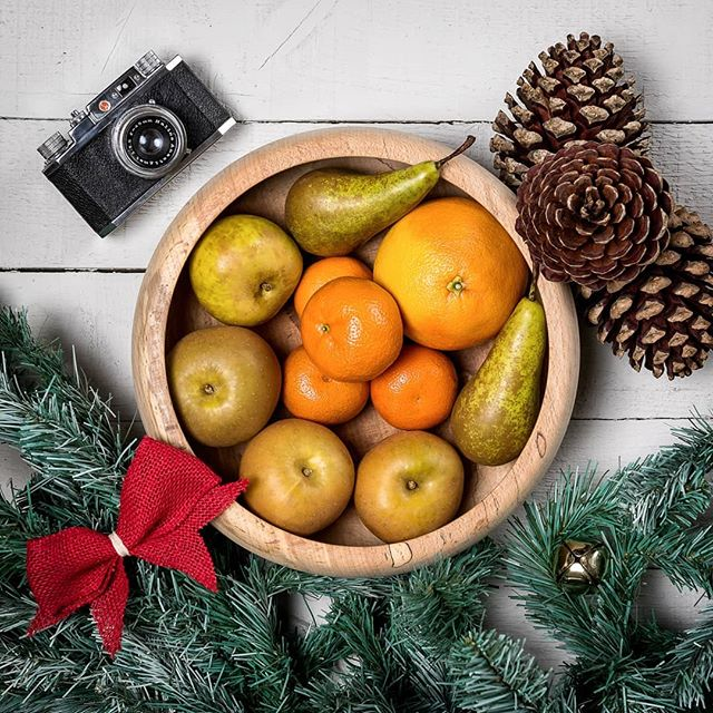 Building the Xmas setup in the studio today and it's all starting to look very festive. I couldn't help but take a few foodie type shots using some of the decorations! Definitely need to start tapping all you cooks and bakers for some super plates of food!