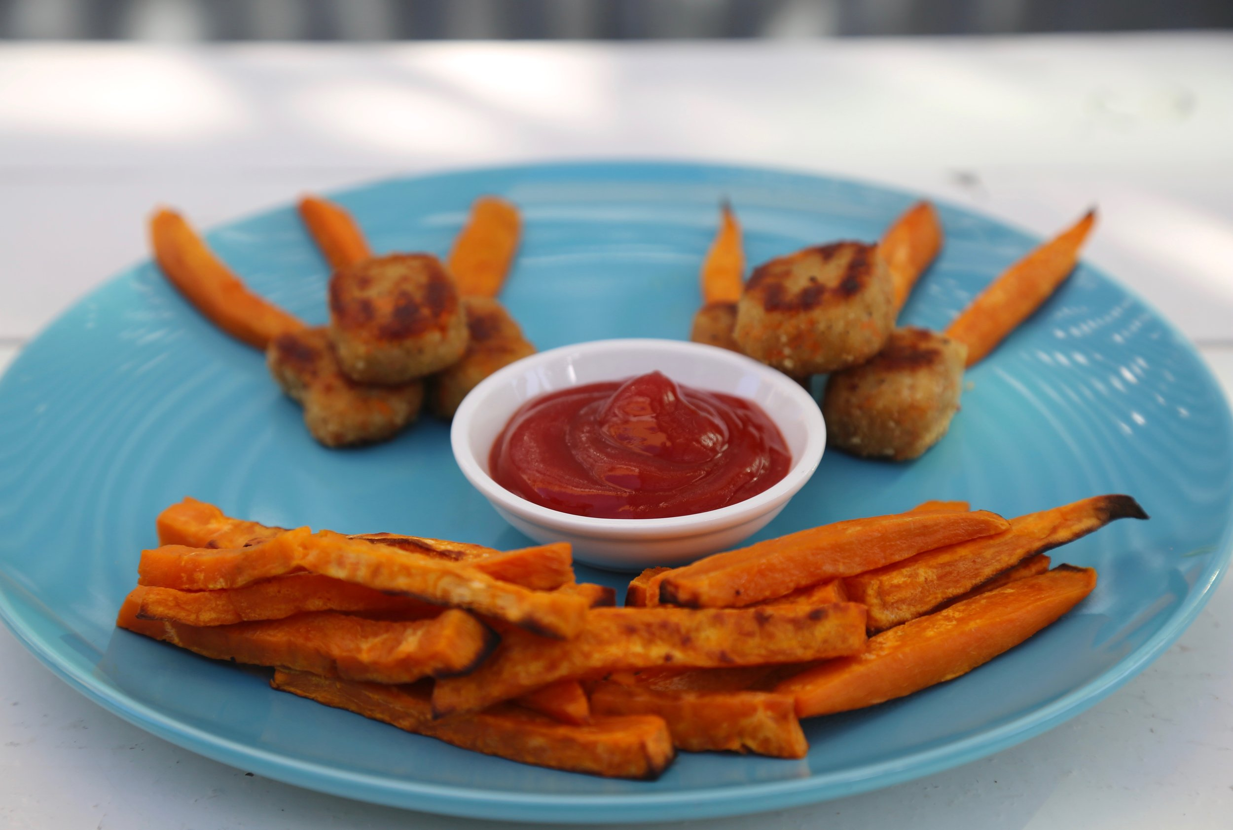 Chicken Nuggets : Served with sweet potato fries