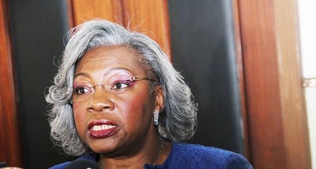 Rosa Maria Martins da Cruz e Silva, ex-Ministra da Cultura e única mulher no Conselho da República.Fonte:  Central Angola 7311