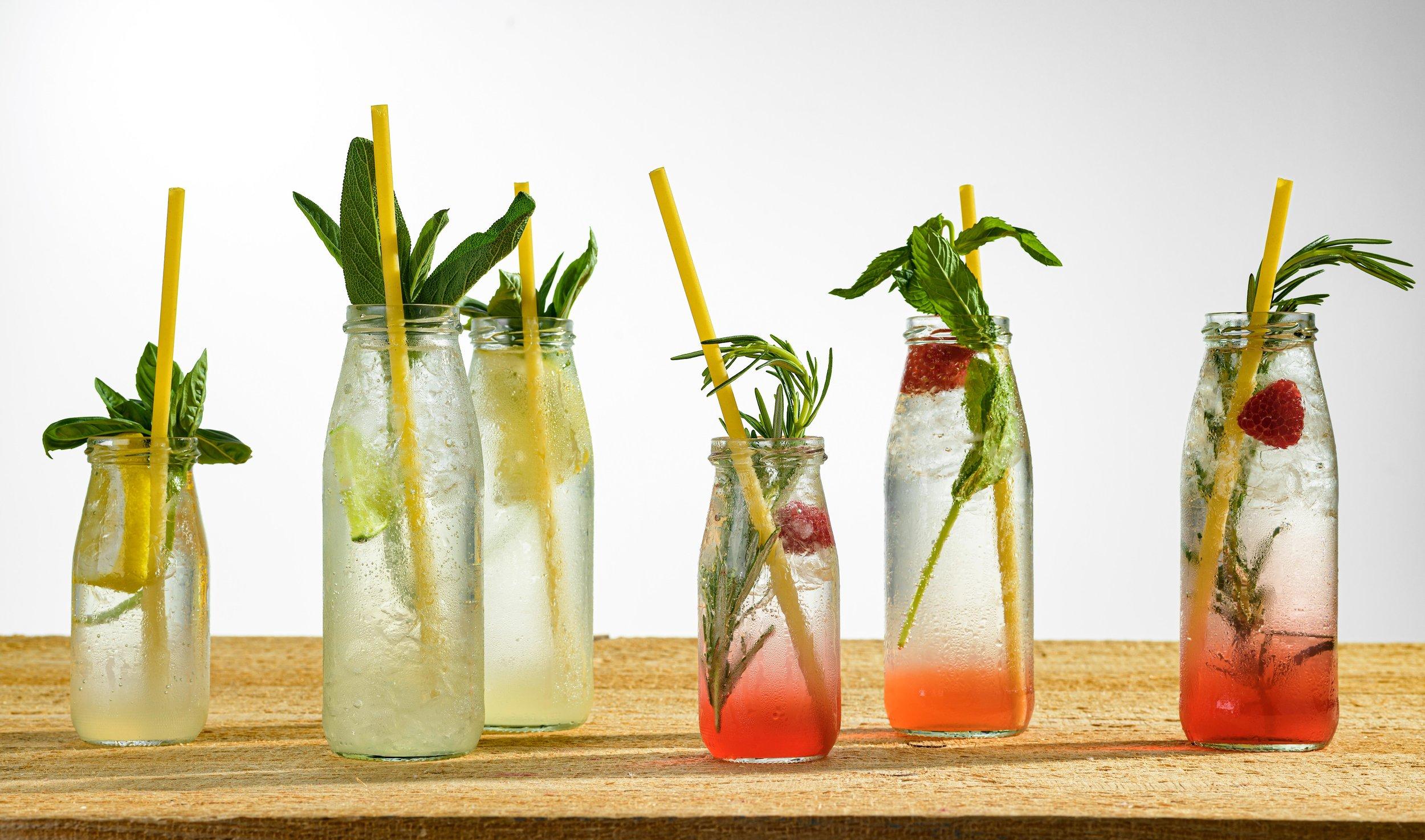 option III - SektempfangDie Party ist schon durchgeplant, du hast unsere Getränke Kreationen erst jetzt entdeckt? Schade.Wir wär's mit einem Sektempfang im Stiege-Style? Oder unseren Getränken an deiner Bar?Wir kommen mit Barkeepern, unserem Sirup-Sortiment - und allem, was unsere Drinks so besonders macht.___________________Empfohlen ab 25 GästenBar/Service Personal2 Sirup-Basen zur AuswahlAnfahrt innerhalb Stuttgart kostenfreipreise auf anfrage