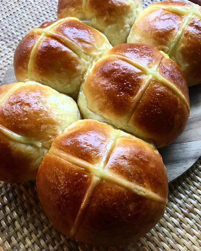 Come on over this Easter weekend and get your hands on our freshly made hot cross buns! P.s We've piped our kaya into these lovely buns 😉 Limited portions available.