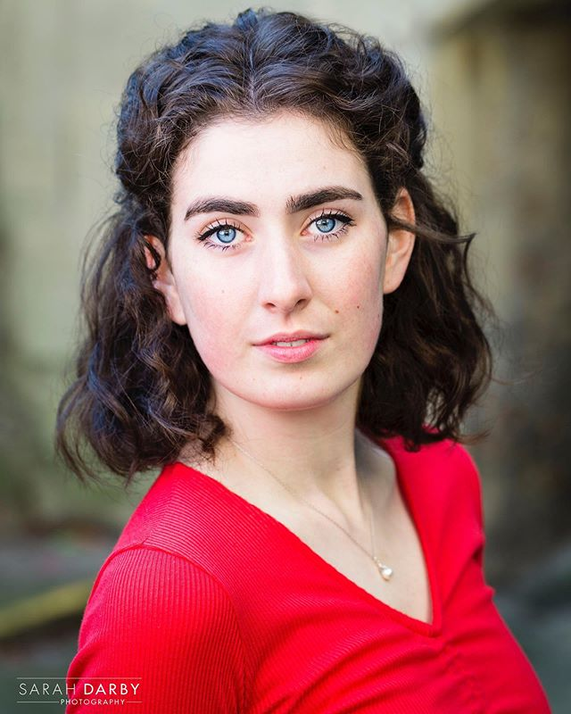 Want to get noticed in your next audition? A great headshot is a must! * * * DMe to shoot a new headshot! * * #sarahdarbyphotography #thecotswoldsballerina * * * #smileitsfriday #actorheadshots #naturallightportrait #naturallightheadshots #corporateheadshots #oxford