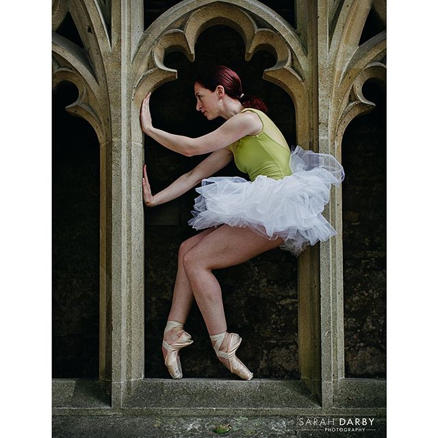 'Why, sometimes I think I've believed as many as six impossible things before breakfast.' - Alice in Wonderland, #lewiscarroll * * If you're interested in commissioning your own creative ballet photoshoot DMe for bookings. * #thecotswoldsballerina  #sarahdarbyphotography * Photography by @sarahdarby_photo Dancer: @lm_fitz * * * #worldwideballet #aliceinwonderland  #dancephotography  #lifeofthedancer #dancerlife #dancephotoshoot  #demipointe #balletphotoshoot #dancersofig