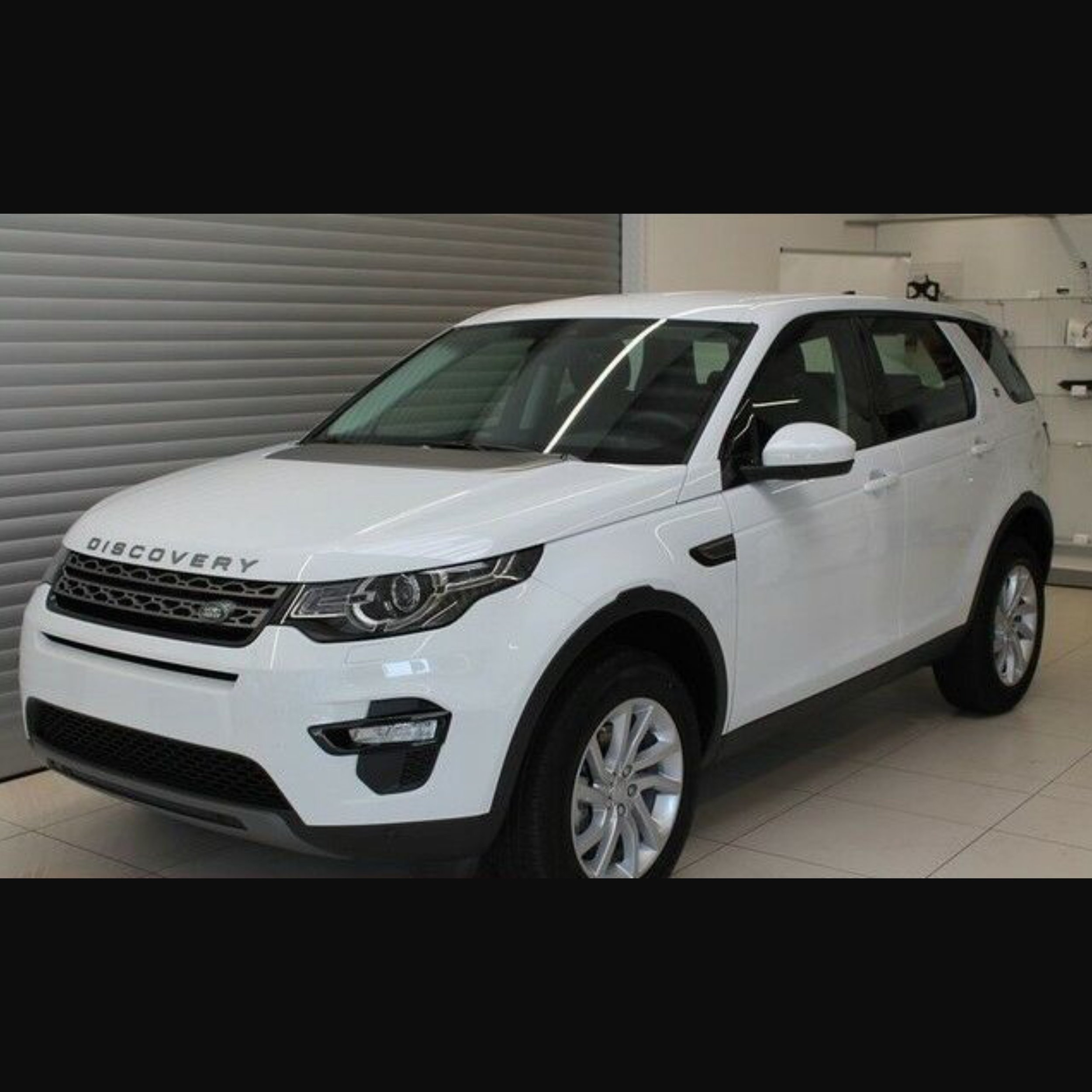 Land Rover Discovery Sport TD4 SE (179 PS)375,00€ / Monat (brutto) - *Privat- und Gewerbekunden*alle Werte inkl. der jeweiligen Umsatzsteuer