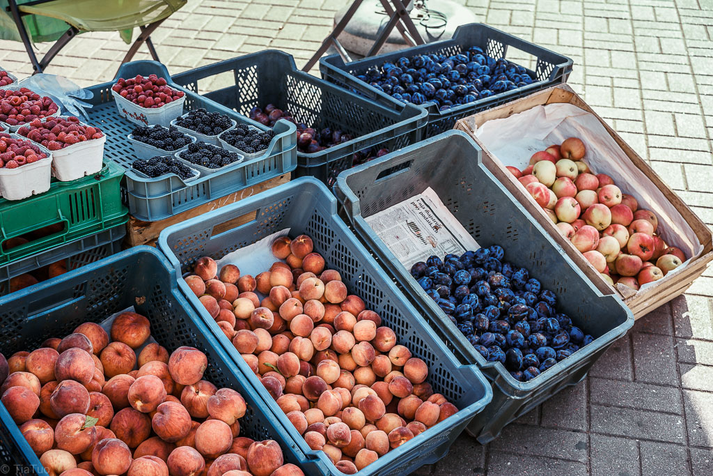 Season's fresh local fruits, for very affordable price