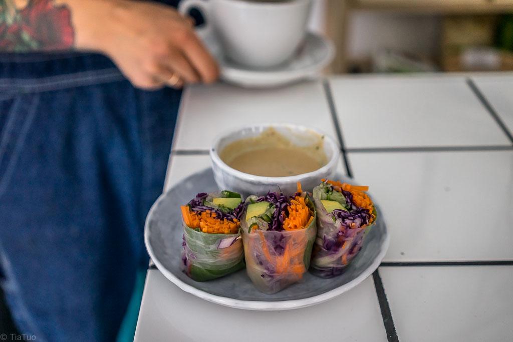 Light lunch: raw spring rolls