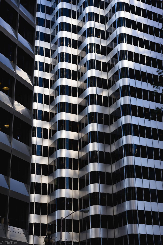 steel.building.jpg