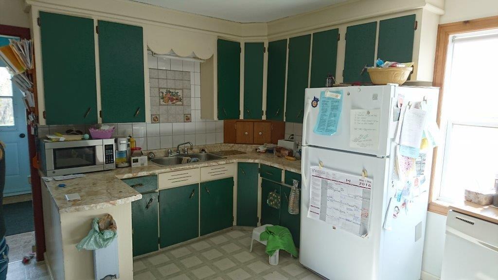 ugly kitchen 2016 010a.jpg