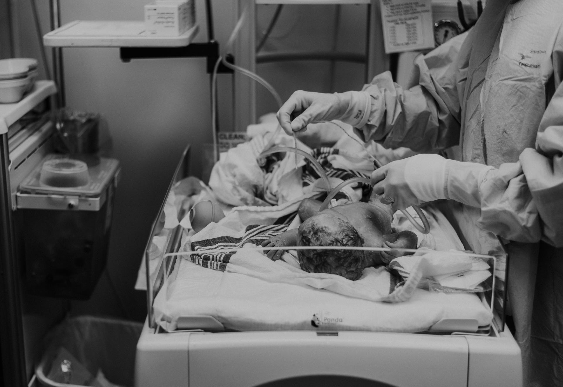 Emmett Birth Cincinnati Birth Photographer -33.JPG