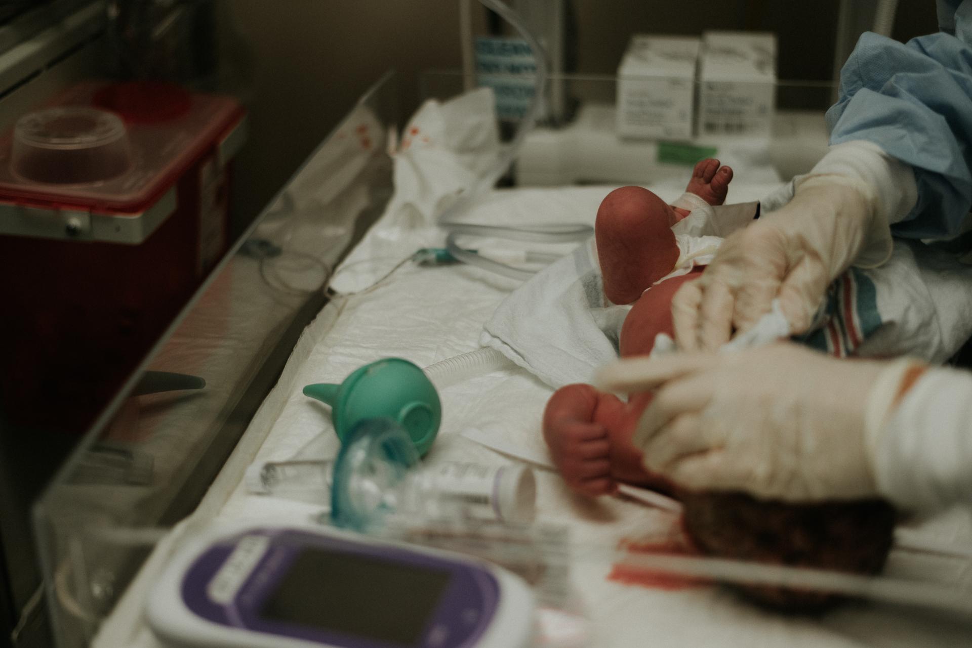 Emmett Birth Cincinnati Birth Photographer -59.JPG