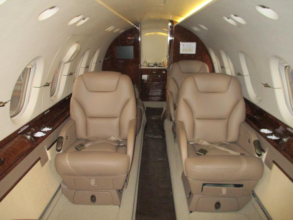 2003 Hawker 800XP Winglets 09.jpeg