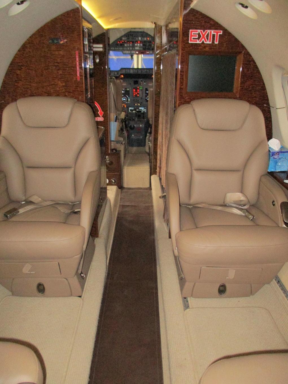 2003 Hawker 800XP Winglets 14.JPG