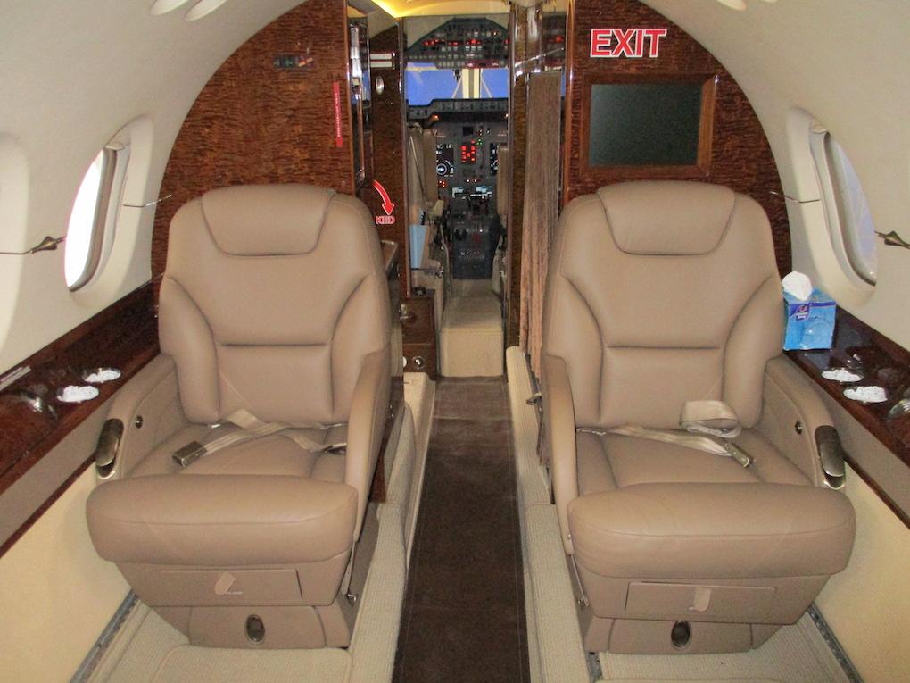 2003 Hawker 800XP Winglets 15.jpeg
