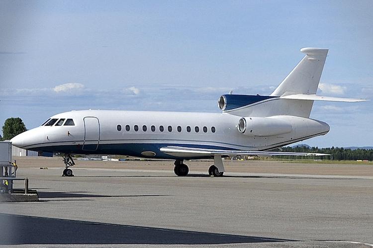 Falcon 900B-33.jpg