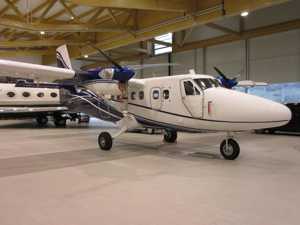 1978 De Havilland Twin Otter DHC-6-300 SN 557-4.JPG
